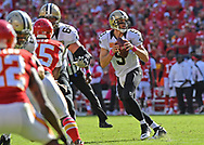 KANSAS CITY, MO - OCTOBER 23:  Quarterback Drew Brees #9 of the New Orleans Saints drops back to pass against the Kansas City Chiefs during the second half on October 23, 2016 at Arrowhead Stadium in Kansas City, Missouri.  (Photo by Peter G. Aiken/Getty Images) *** Local Caption *** Drew Brees