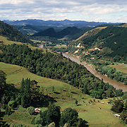 The Whanganui River which runs through the Whanganui National Park in the Manawatu-Wanganui of the North Island of New Zealand Photo Tim Clayton
