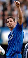 Photo: Daniel Hambury.<br />Chelsea v Manchester United. The Barclays Premiership. 29/04/2006.<br />Chelsea's Frank Lampard celebrates the Premiership title.