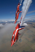 Red Arrows in exciting dive