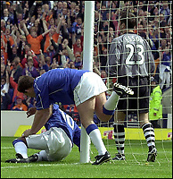 ABERDEEN V RANGERS.....PIC...BRIAN STEWART<br /><br />ROBBIE WINTERS IN GOALS WEARING DAVID ESSON'S SHIRT AS NEIL MCCANN AND BILLY DODDS CELEBRATE PUTTING ONE PAST THE SUBSTITUTE KEEPER