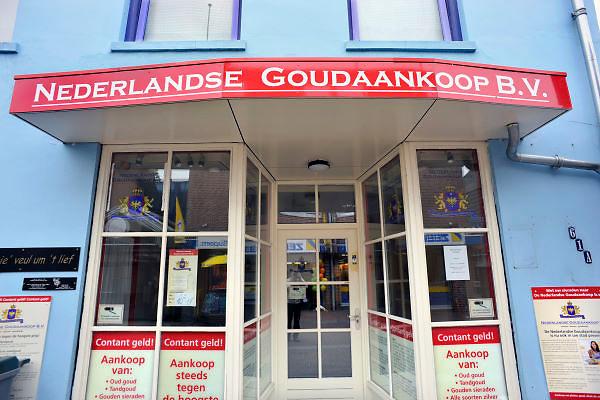 Nederland, Huissen, 6-5-2012Winkel van goudinkoper.Foto: Flip Franssen/Hollandse Hoogte