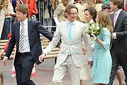 Koninginnedag 2010 . De Koninklijke familie in het zeeuwse  Middelburg. / Queensday 2010. De Royal Family in Middelburg.<br /> <br /> op de foto / on the photo Prins Pieter-Christiaan en Prins Bernhard en Prinses Annette