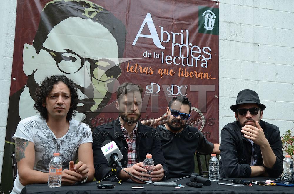 Toluca, México (Abril 30, 2016).- Los Daniels, banda mexicana de rock, durante conferencia de prensa, previo al concierto en el Jardín del Autonomía como parte de la clausura de las actividades de la UAEM, Abril Mes de la Lectura. Agencia MVT / Arturo Hernández.
