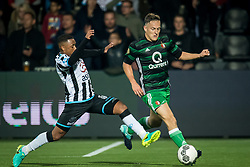 (L-R) Lerin Duarte of Heracles Almelo, Jens Toornstra of Feyenoord during the Dutch Eredivisie match between Heracles Almelo and Feyenoord Rotterdam at Polman stadium on September 09, 2017 in Almelo, The Netherlands
