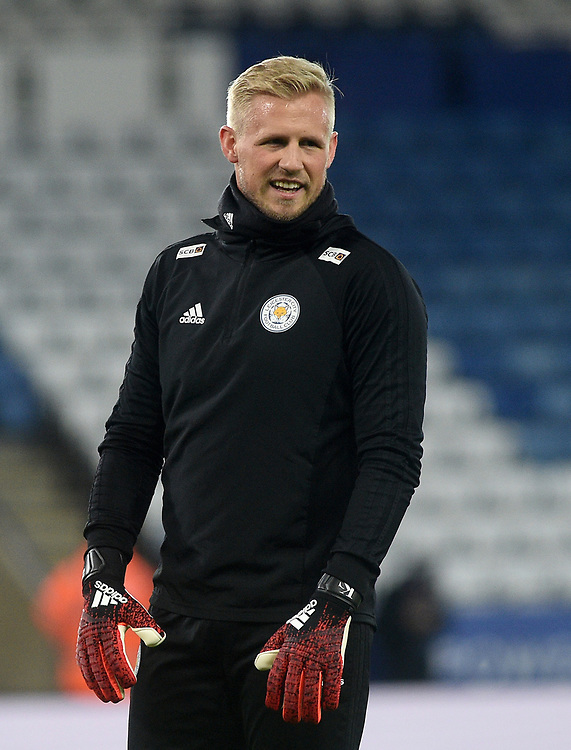 Leicester City's Kasper Schmeichel during the pre-match warm-up <br /> <br /> Photographer Hannah Fountain/CameraSport<br /> <br /> The Premier League - Leicester City v Tottenham Hotspur - Saturday 8th December 2018 - King Power Stadium - Leicester<br /> <br /> World Copyright © 2018 CameraSport. All rights reserved. 43 Linden Ave. Countesthorpe. Leicester. England. LE8 5PG - Tel: +44 (0) 116 277 4147 - admin@camerasport.com - www.camerasport.com