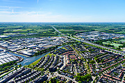 Nederland, Utrecht, Vianen, 13-05-2019; Vianen met Merwedekanaal en bedrijventerrein, knooppunt Everdingen in de achtergrond.<br /> Industrial estate near Everdingen junction.<br /> <br /> luchtfoto (toeslag op standard tarieven);<br /> aerial photo (additional fee required);<br /> copyright foto/photo Siebe Swart