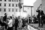 Enrico Rossi, presidente della Regione Toscana e candidato alle regionali 2014 con il PD, durante il comizio tenutosi Livorno in Piazza del Logo Pio.<br /> 25 novembre 2014 . Daniele Stefanini /  OneShot