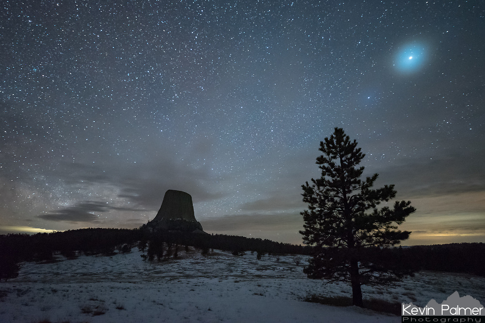 """Thin clouds caused a large halo to appear around the planet Jupiter. It reminded me of the movie, """"Close Encounters of the Third Kind,"""" which was filmed at Devil's Tower."""