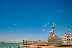 Iracema Guardiã - é estátua que  faz alusão ao romance do escritor José de Alencar. Foi inaugurada em 1996, pelo artista plástico Zenon Barreto, na Praia de Iracema, em Fortaleza - CE. FOTO: Jefferson Bernardes/ Agência Preview