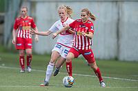 Fotball<br /> 12.06.2015<br /> Toppserien<br /> NM kvinner 3. runde<br /> Sandviken - Avaldsnes<br /> Lisa Marie Woods (L) og Ingrid Ryland (R) , Avaldsnes<br /> Camilla Ervik (M) , Sandviken<br /> Foto: Astrid M. Nordhaug, Digitalsport
