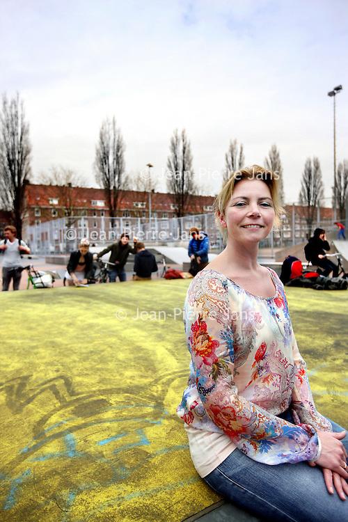 Nederland, Amsterdam , 25 april 2013.<br /> Willeke Drevijn, werkzaam bij Stadgenoot.<br /> Voor het artikel: Flexibele huren.<br /> <br /> Foto:Jean-Pierre Jans