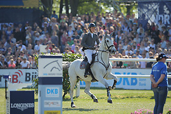Luther Jesse, (GER), Clearwater<br /> German Jumping Derby<br /> Hamburg - Hamburger Derby 2016<br /> © Hippo Foto - Stefan Lafrentz