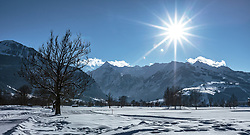THEMENBILD - die verschneite Winterlandschaft am Golfplatz Zell am See-Kaprun im Hintergrund das Kitzsteinhorn, aufgenommen am 14. Februar 2018, Ort, Österreich // the snowy winter landscape at the golf course Zell am See-Kaprun in the background the Kitzsteinhorn on 2018/02/14, Ort, Austria. EXPA Pictures © 2018, PhotoCredit: EXPA/ Stefanie Oberhauser