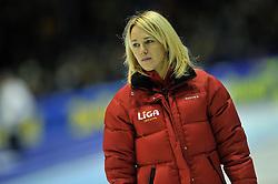 29-12-2011 SCHAATSEN: KPN NK SPRINT: HEERENVEEN<br /> Trainer/Coach Marianne Timmer - Liga<br /> ©2011-FotoHoogendoorn.nl