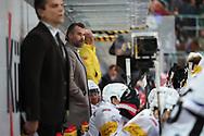 Trainer Christian Dube (Fribourg) im Spiel der National League zwischen den SC Rapperswil-Jona Lakers und dem HC Fribourg-Gotteron, am Freitag, 22. Oktober 2021, in der St. Galler Kantonalbank Arena Rapperswil-Jona. (Thomas Oswald)