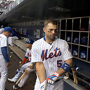 NEW YORK, NEW YORK - May 21:  David Wright #5 of the New York Mets in the dugout preparing to bat during the Milwaukee Brewers Vs New York Mets regular season MLB game at Citi Field on May 21, 2016 in New York City. (Photo by Tim Clayton/Corbis via Getty Images)