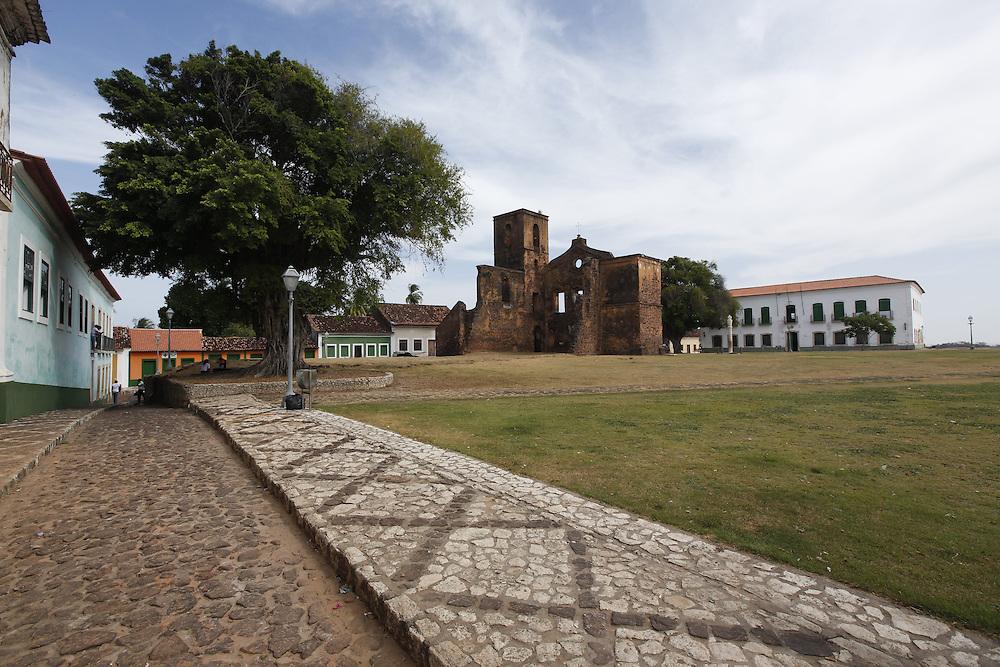 Alcantara_MA, Brasil.<br /> <br /> Na foto, as ruinas da Igreja Matriz de Sao Matias em Alcantara, Maranhao.<br /> <br /> In the photo, the ruins of the Sao Matias  mother church in Alcantara, Maranhao.<br /> <br /> Foto: LEO DRUMOND / NITRO