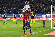 Fussball: Deutschland, 1. Bundesliga, Hamburger SV - BVB Borussia Dortmund, Hamburg, 20.11.2015<br /> <br /> Jubel von Lewis Holtby (l.) und Cleber Reis (beide HSV)<br /> <br /> © Torsten Helmke