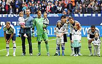 Fotball<br /> Tyskland<br /> 11.05.2013<br /> Foto: Witters/Digitalsport<br /> NORWAY ONLY<br /> <br /> v.l. Benedikt Hoewedes, Christoph Metzelder, Torwart Timo Hildebrand, Atsuto Uchida, Marco Hoeger, Joel Matip  (Schalke)<br /> Fussball Bundesliga, FC Schalke 04 - VfB Stuttgart
