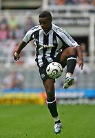 Photo: Andrew Unwin.<br /> Newcastle United v Villarreal. Pre Season Friendly. 05/08/2006.<br /> Newcastle's Charles N'Zogbia.
