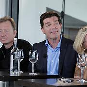 NLD/Amsterdam/20120416 - Boekpresentatie Presteren, Maritte Braspenning, Wilfred Genee, Twan Huys