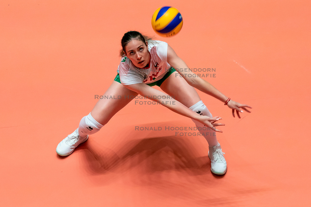 29-05-2019 NED: Volleyball Nations League Netherlands - Bulgaria, Apeldoorn<br /> Lora Kitipova #7 of Bulgaria