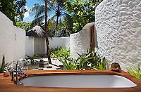 Soneva Fushi Crusoe Villa Maldives, Soneva Fushi, Maldives, Paradise, Best Resorts in the World, Pool, Beach, Paradise,Tropical Island, Photo Dan Kullberg, www.dankullberg.com, outdoor bathroom,