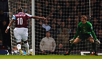 Photo: Daniel Hambury.<br /> West Ham United v Manchester United. The Barclays Premiership. 27/11/2005.<br /> West Ham's Marlon Harewood scores the first goal.