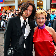 NLD/Amsterdam/20070823 - Premiere The Bourne Ultimate, Inge Iepenburg en stylist Thijs Willekes