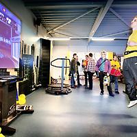 Nederland, Woensel,28 januari 2008..25 jan 2008, 10:47 - EINDHOVEN - Erica Terpstra, voorzitter van het NOC*NSF, opent maandagmiddag om 16.00 uur E-fitzone aan de Vijfkamplaan 6 in Woensel..E-fitzone is een fitnesscentrum dat zijn sportieve activiteiten combineert met interactieve computerspellen.