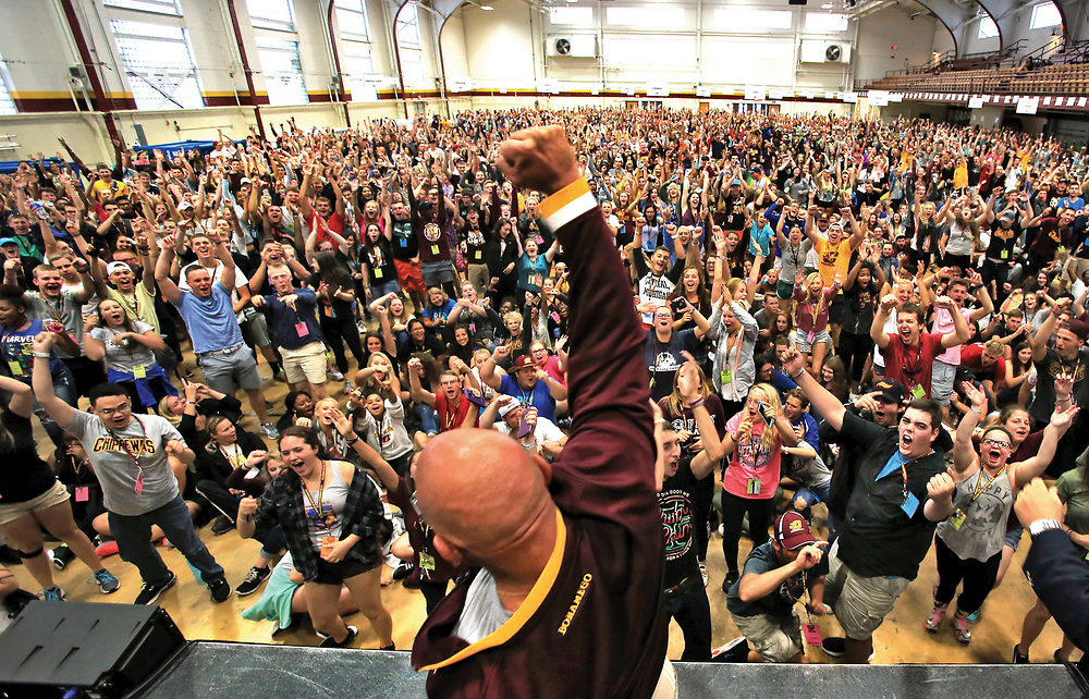 """CMU welcomed 2,134 students to campus over the weekend for Leadership Safari's 20th anniversary. The students gathered Sunday in Finch Fieldhouse to hear guest speaker David Coleman, """"The Dating Doctor."""" Central Michigan University photos by Steve Jessmore"""