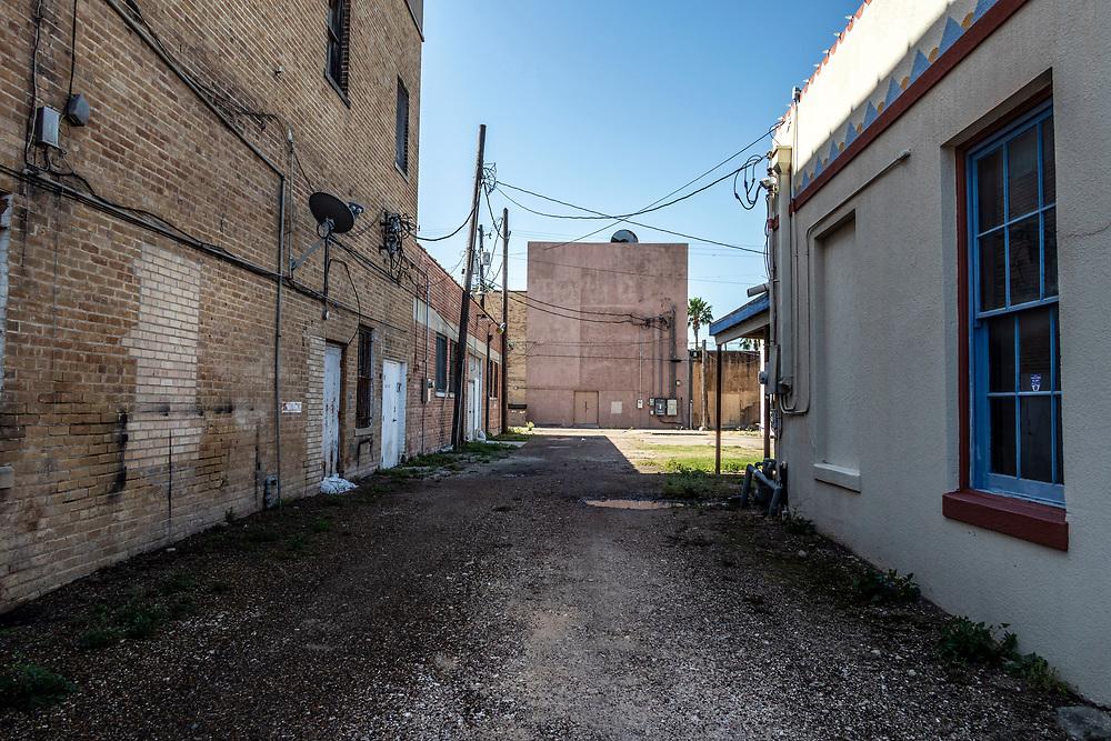Empty alleyway, Harlingen, Texas, USA