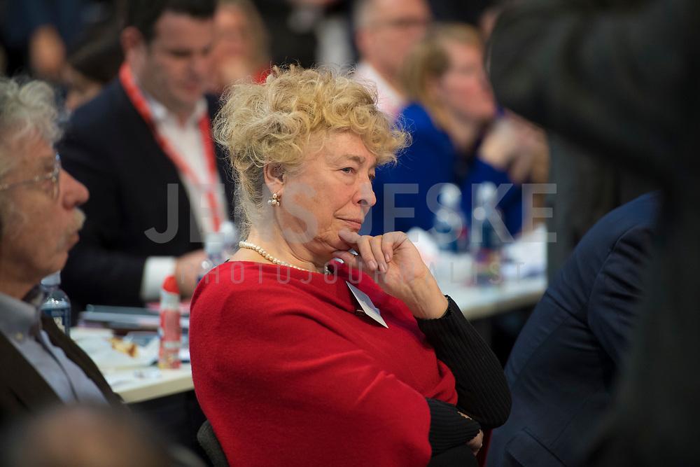 DEU, Deutschland, Germany, Berlin, 06.12.2019: Prof. Dr. Gesine Schwan (SPD) beim Bundesparteitag der SPD im CityCube. Schwan stellte sich der Wahl zur SPD-Parteivorsitzenden, unterlag jedoch.