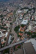 Belo Horizonte_MG, Brasil...Trecho da Linha verde sobre o Rio Arrudas em Belo Horizonte, Minas Gerais...Part of Linha Verde project over Arrudas river in Belo Horizonte, Minas Gerais...Foto: BRUNO MAGALHAES / NITRO