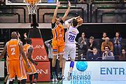 DESCRIZIONE : Treviso Lega due 2015-16  Universo Treviso De Longhi - Aurora Basket Jesi<br /> GIOCATORE : andrea ancelotti<br /> CATEGORIA : Tiro<br /> SQUADRA : Universo Treviso De Longhi - Aurora Basket Jesi<br /> EVENTO : Campionato Lega A 2015-2016 <br /> GARA : Universo Treviso De Longhi - Aurora Basket Jesi<br /> DATA : 31/10/2015<br /> SPORT : Pallacanestro <br /> AUTORE : Agenzia Ciamillo-Castoria/M.Gregolin<br /> Galleria : Lega Basket A 2015-2016  <br /> Fotonotizia :  Treviso Lega due 2015-16  Universo Treviso De Longhi - Aurora Basket Jesi
