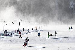 """THEMENBILD - Das Tief """"Axel"""" sorgt seit Tagen für unangenehmes, teils tiefwinterliches Wetter und zahlreiche Behinderungen in Europa. Auch in der Glocknergemeinde bläst der Wind noch kräftig, und es ist bitterkalt. Hier im Bild zahlreiche Skisportler am Schlepplft """"Dorfer Felder"""", die Einseilumlaufbahn auf das Cimaros im im Grossglocknerresort Kals musste aufgrund der starken Windböhen den Betrieb vorübergehend einstellen. Aufgenommen am 6. Jänner in Kals am Grossglockner, Österreich // The storm """"Axel"""" has been responsible for unpleasant, partly deep winter weather and numerous disabilities in Europe for days. Also in the Grossglockner village Kals wind blows still vigorously, and it is very cold. Pictured on 6 January 2017 in Kals am Grossglockner, Austria. EXPA Pictures © 2017, PhotoCredit: EXPA/ Johann Groder"""