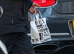 © Licensed to London News Pictures. 25/01/2021. London, UK. A delivery from Bagel Bake arrived at Frank Lampard's Chelsea home in South West London this morning as the former Chelsea player and Manger was dramatically sacked by owner Roman Abramovich as Thomas Tuchel is set become the new manager. Photo credit: Alex Lentati/LNP