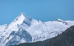 THEMENBILD - das Kitzsteinhorn, das Gletscher-Skigebiet in Kaprun, aufgenommen am 20. April 2019, Zell am See, Österreich // the kitzsteinhorn the glacier ski region in Kaprun on 2019/04/20, Zell am See, Austria. EXPA Pictures © 2019, PhotoCredit: EXPA/ Stefanie Oberhauser