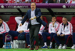 12-06-2012 VOETBAL: UEFA EURO 2012 DAY 5: POLEN OEKRAINE<br /> Dick Advocaat, head coach of Russia during the UEFA EURO 2012 group A match between Poland and Russia at The National Stadium<br /> ***NETHERLANDS ONLY***<br /> ©2012-FotoHoogendoorn.nl