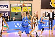 DESCRIZIONE : Parma All Star Game 2012 Donne Torneo Ocme Lega A1 Femminile 2011-12 FIP <br /> GIOCATORE : Valentina Fabbri<br /> CATEGORIA : tiro penetrazione<br /> SQUADRA : Nazionale Italia Donne Ocme All Stars<br /> EVENTO : All Star Game FIP Lega A1 Femminile 2011-2012<br /> GARA : Ocme All Stars Italia<br /> DATA : 14/02/2012<br /> SPORT : Pallacanestro<br /> AUTORE : Agenzia Ciamillo-Castoria/C.De Massis<br /> GALLERIA : Lega Basket Femminile 2011-2012<br /> FOTONOTIZIA : Parma All Star Game 2012 Donne Torneo Ocme Lega A1 Femminile 2011-12 FIP <br /> PREDEFINITA :