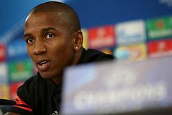 October 17, 2017 - Lisbon, Portugal - Manchester United's English midfielder Ashley Young attends a press conference at the Luz stadium in Lisbon, Portugal on October 17, 2017, on the eve of the UEFA Champions League football match SL Benfica vs Manchester United. (Credit Image: © Pedro Fiuza/NurPhoto via ZUMA Press)