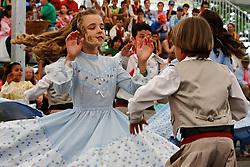Apresentação de danças típicas mirins o durante o 12 Rodeio Internacional do Mercosul, um dos maiores eventos do gênero. FOTO: Jefferson Bernardes/Preview.com