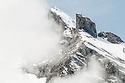 Gspaltenhorn im Wolken