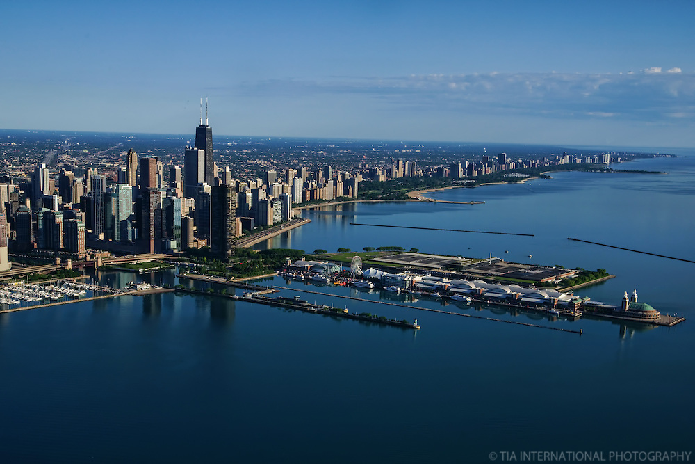 Chicago Skyline featuring Navy Pier & Lake Michigan