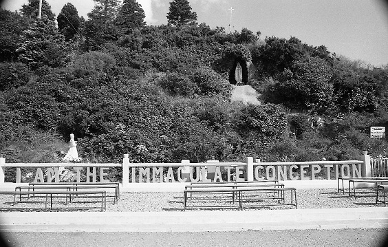 Scenes of Cork and Kerry..1986..02.09.1986..09.02.1986..2nd September 1986..Pictures of a series of scenic shots taken in the Cork / Kerry region of Ireland..If you know the locations or the history of these areas why not contact us at the web site www.irishphotoarchive.ie or e-mail us at irishphotoarchive@gmail.com...Photograph of a grotto, in the Cork / Kerry region, dedicated to Our Lady Of The Immaculate Conception.