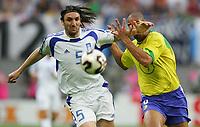 Fotball, 16. juni 2005, <br /> Conferderations Cup Brasil - Hellas<br /> v.l. Sotirios Kyrgiakos, Adriano Brasil<br /> <br />  Norway only