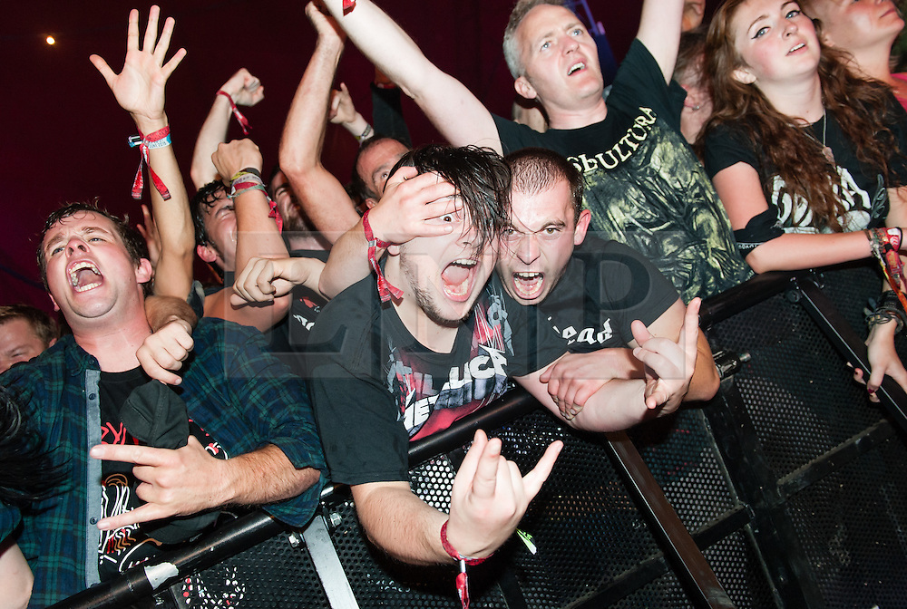 © Licensed to London News Pictures. 29/08/2015. Reading Festival, UK.  Festival goers head bang as they watch Gojira performing at Reading Festival 2015, Day 2.  Photo credit: Richard Isaac/LNP