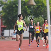 Syed Hussein Aljunied (#256) of Victoria Junior College looking back during his race as HCI's Ethan Yan (#290) and Nedunchezian Selvageethan of RI (#164) try to chase him down during the A Division boys' 1500m race (Photo © Stefanus Ian).