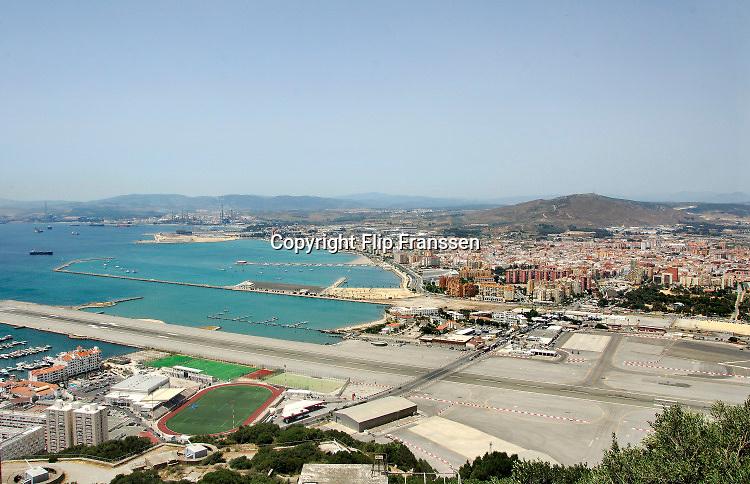 Spanje, Gibraltar, 25-9-2017De grensovergang bij het vliegveld . De rots is een historisch en strategisch punt. Geschiedenis, koude oorlog.Britse kroonkolonie. Spanje wil de rots terug.Foto: Flip Franssen